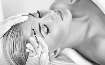 Das solltest du jetzt über Botox und Hyaluron wissen